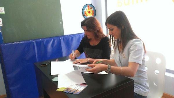 Firma de convenio de colaboración con clínica Bimba